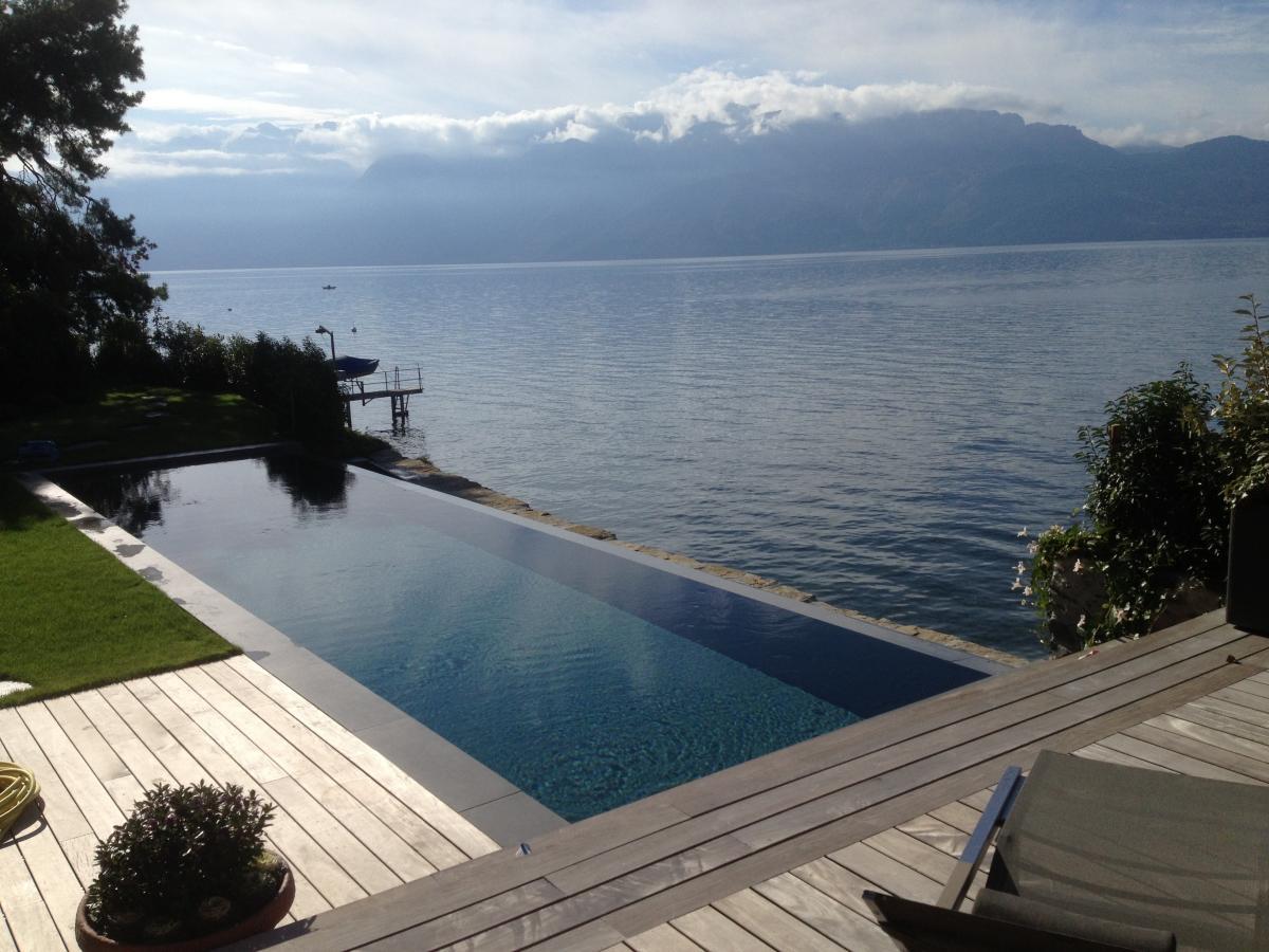 Propos piscines vaud piscines concept services for Piscine miroir reflea
